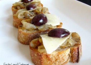 Caramelized Onion Crostini