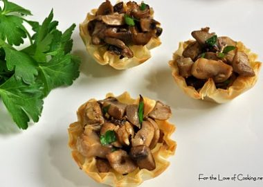 Brie and Caramelized Mushroom Mini Tarts