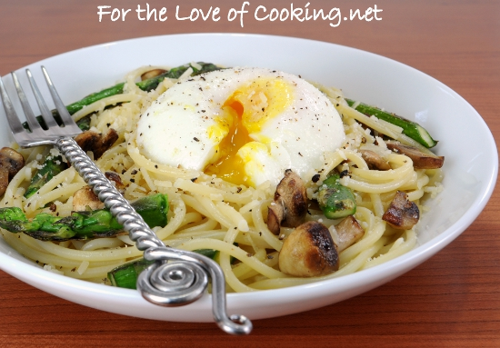 Spaghetti with Asparagus, Mushrooms, Parmesan, and a Poached Egg | For ...