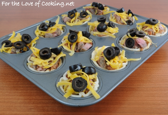 Mini Steak and Bean Taco Cups | For the Love of Cooking