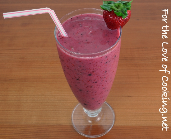 Mixed Berry, Banana, and Yogurt Smoothie