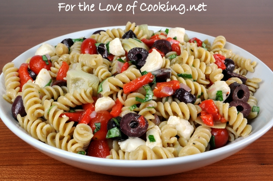 pasta salad with artichoke hearts and roasted red peppers