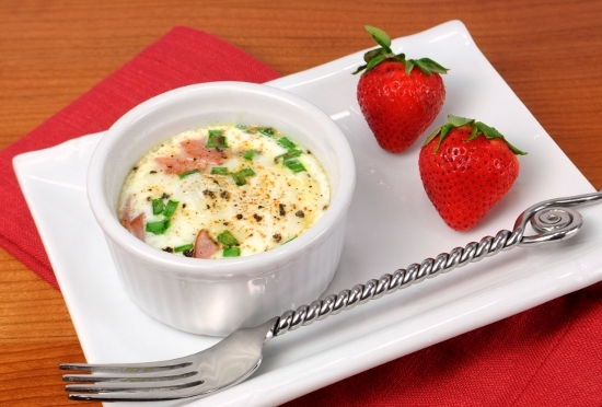 Baked Eggs with Ham, Cheddar, and Chives