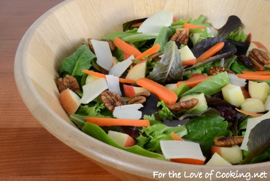 Mixed Greens Salad with Apples