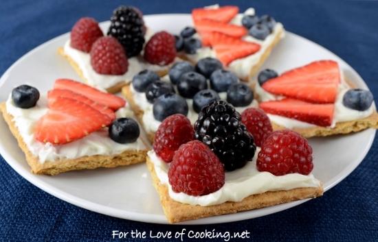 Fruit and Cream Cheese Graham Cracker Snacks