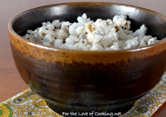 Quick & Easy Homemade Microwave Popcorn