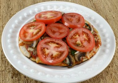 Pita Pizza with Spinach, Mushrooms, Onions, and Fresh Tomatoes