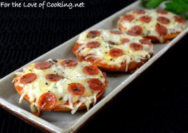 Mini Bagel Pizzas
