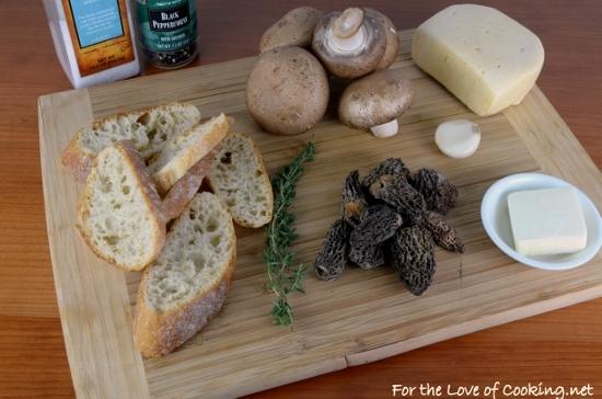 Cheesy Mushroom Crostini