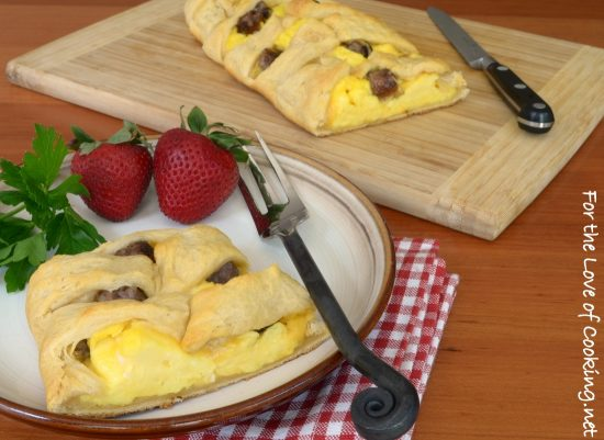 Sausage Cheddar Breakfast Braid