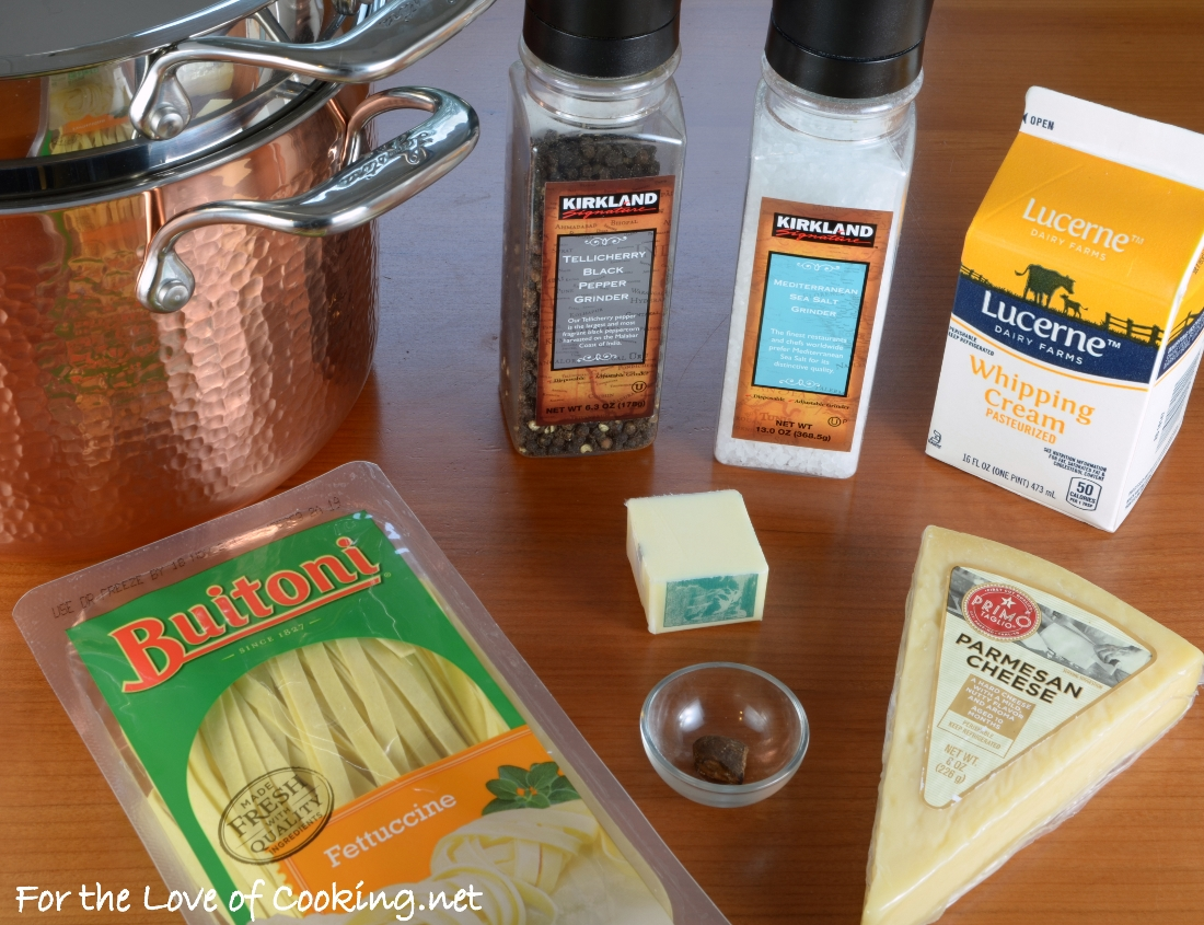 Fettucine Alfredo AND A Lagostina Martellata Hammered Copper Pastaiola Set Giveaway!!