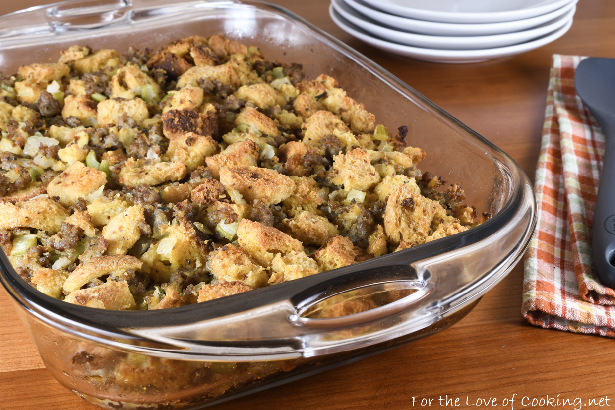 Stuffing with Sausage and Cornbread - Recipes