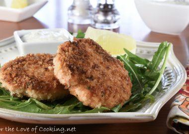 Crispy Salmon Cakes with a Lemon Dill Aioli