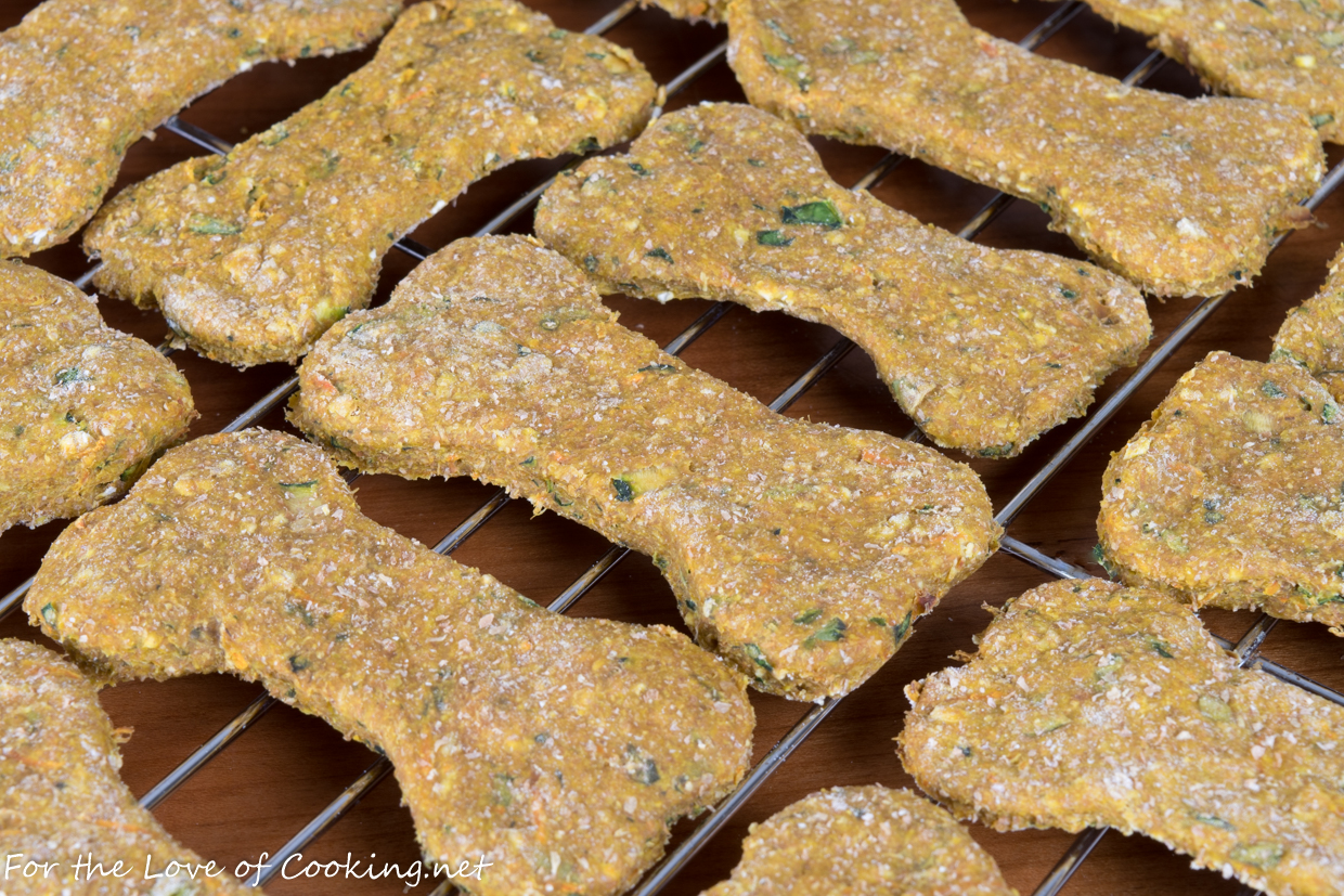 Spinach, Zucchini, and Carrot Dog Treats