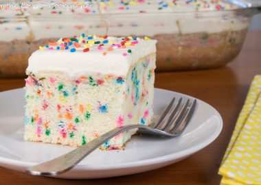 25 Delicious and Tempting Cake Recipes