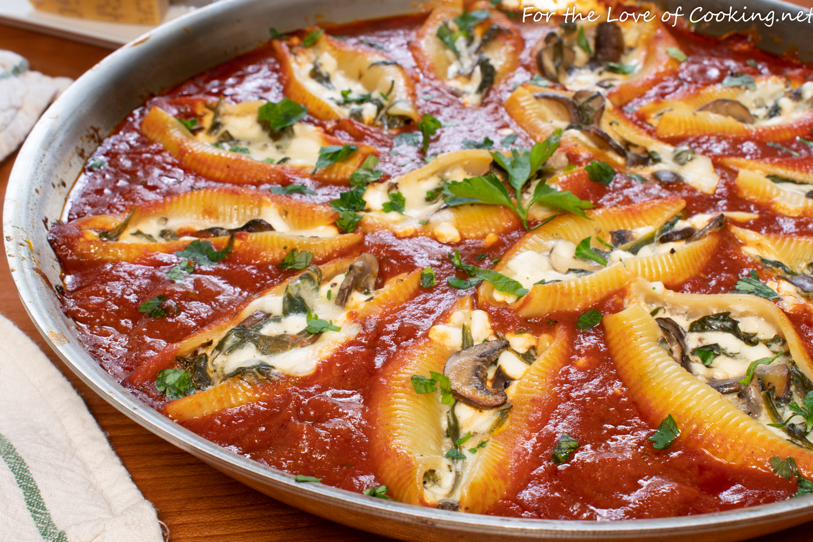 Vegetarian Skillet Stuffed Shells