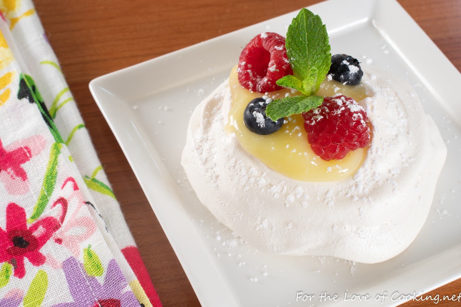 Mini Pavlova with Lemon Curd and Fresh Berries