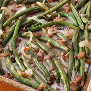 Roasted Green Beans with Bacon and Onion